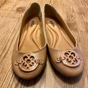 Nude Flats Enamel Design at Toes size 8.5 SODA